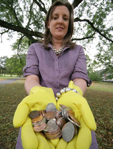 woman allergic to nickel money