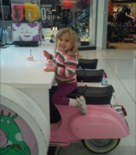 Chris White picture Braehead Shopping Centre Glasgow daughter Hazel Facebook