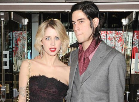 Peaches Geldof dead: Celebrities flood Twitter with tributes to the late star