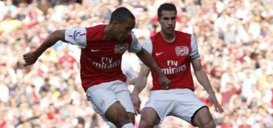 Robin van Persie (R) and Theo Walcott, new contract, Arsenal.