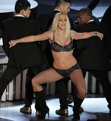 Britney shows off more paunch than raunch at the disasterous MTV Video Music Awards.