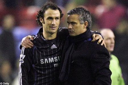Friends reunited? Carvalho and Mourinho