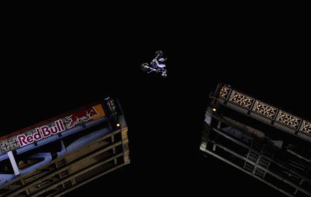 Robbie Maddison's spectacular flip on Tower Bridge