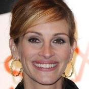 Julia Roberts is in talks about starring in Valentine's Day