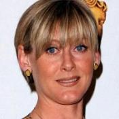 Sarah Lancashire has been given an award from her home town.