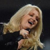 Bonnie Tyler is planning a Total Eclipse Of The Heart chart comeback