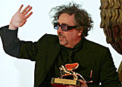 Tim Burton will direct Dark Shadows next year