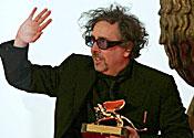 Tim Burton will direct Dark Shadows next year