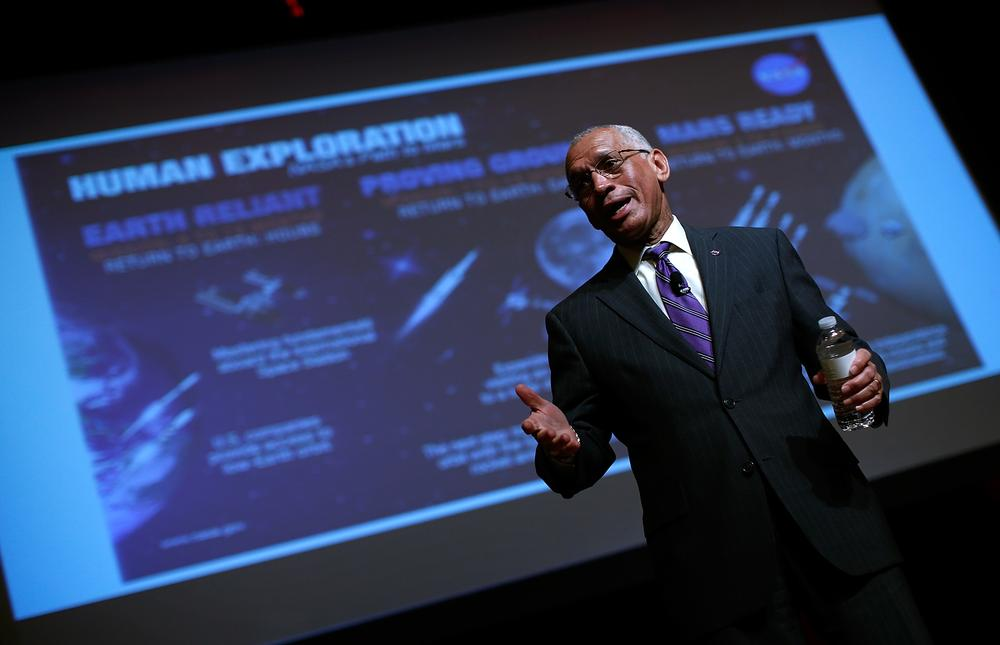 Mission to Mars is necessary for 'survival of human race'