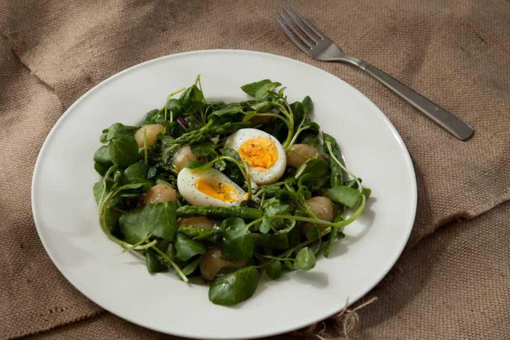 How to make egg and watercress salad