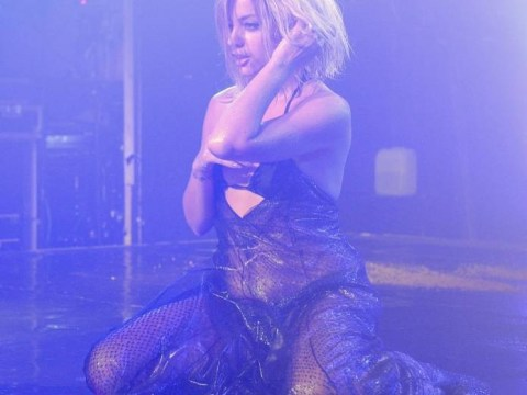 Lily Allen impersonates Beyonce, dances to Drunk In Love for raunchy G-A-Y performance