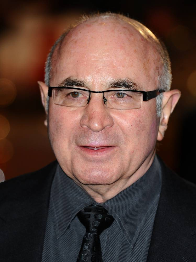 Bob Hoskins dead at 71 after suffering from pneumonia