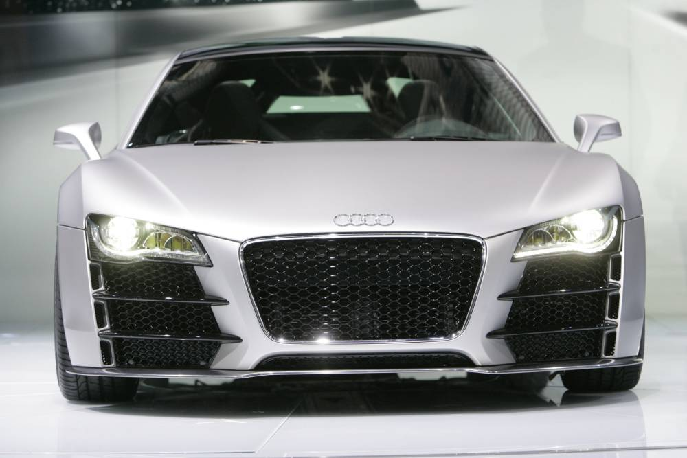 I bought dream car thanks to my hits on YouTube: Man buys Audi R8 with cash made from video clips