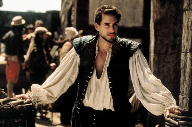 Film: Shakespeare in Love (1998), Starring Joseph Fiennes as Will Shakespeare.     JOE FIENNES Film 'SHAKESPEARE IN LOVE' (1998) Directed By JOHN MADDEN 03 December 1998 CT3153 Allstar/Cinetext/UNIVERSAL **WARNING** This photograph can only be reproduced by publications in conjunction with the promotion of the above film. For Editorial Use Only