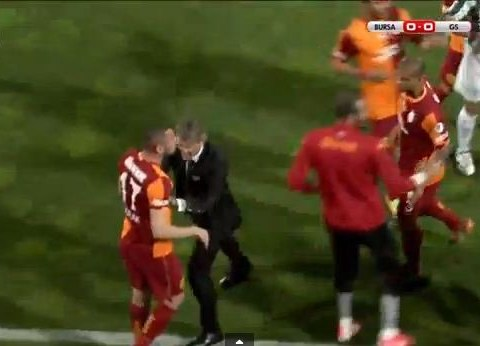 Roberto Mancini clearly does not approve of his Galatasaray players getting into fights – Burak Yilmaz learns the hard way