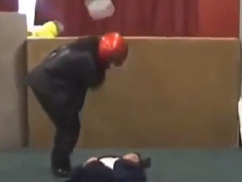 Video: First aid demo turns into painful slapstick comedy routine