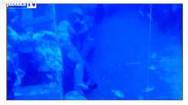 Couple embrace as they drown (Picture: Repubblica TV)
