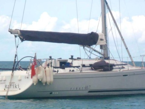 'Chances lost' to rescue four missing British yachtsmen