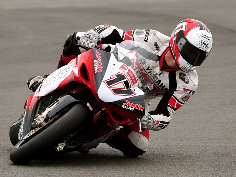 Motorcycle racer Simon Andrews dies after crash