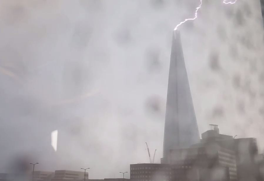 Watch the moment lightning strikes the Shard during huge London thunderstorm