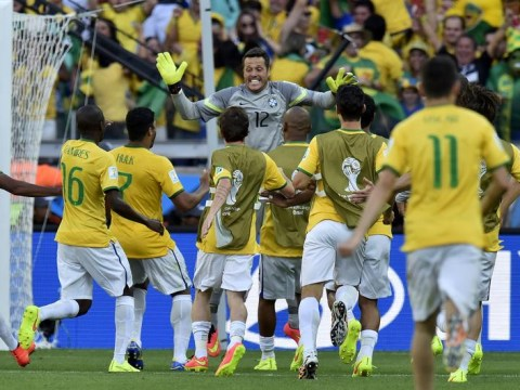 Júlio César has World Cup redemption against Chile to keep Brazil on course