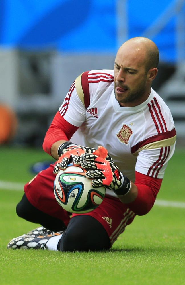 Rafa Benitez's blatant palming off of Pepe Reina leaves Liverpool in an unideal situation