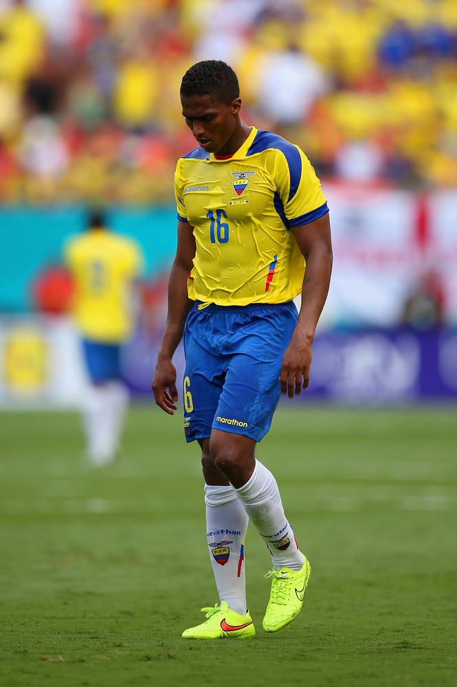 Liverpool to make 'shock bid for Manchester United's Antonio Valencia'