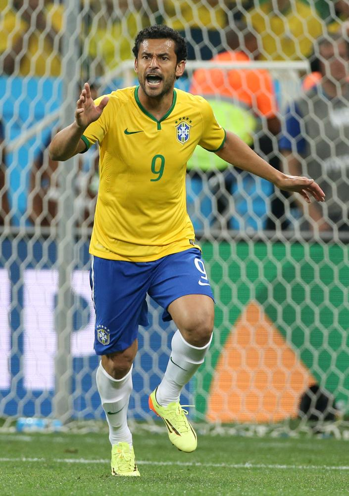 Fred must deliver as Brazil aim to show samba flair against Mexico
