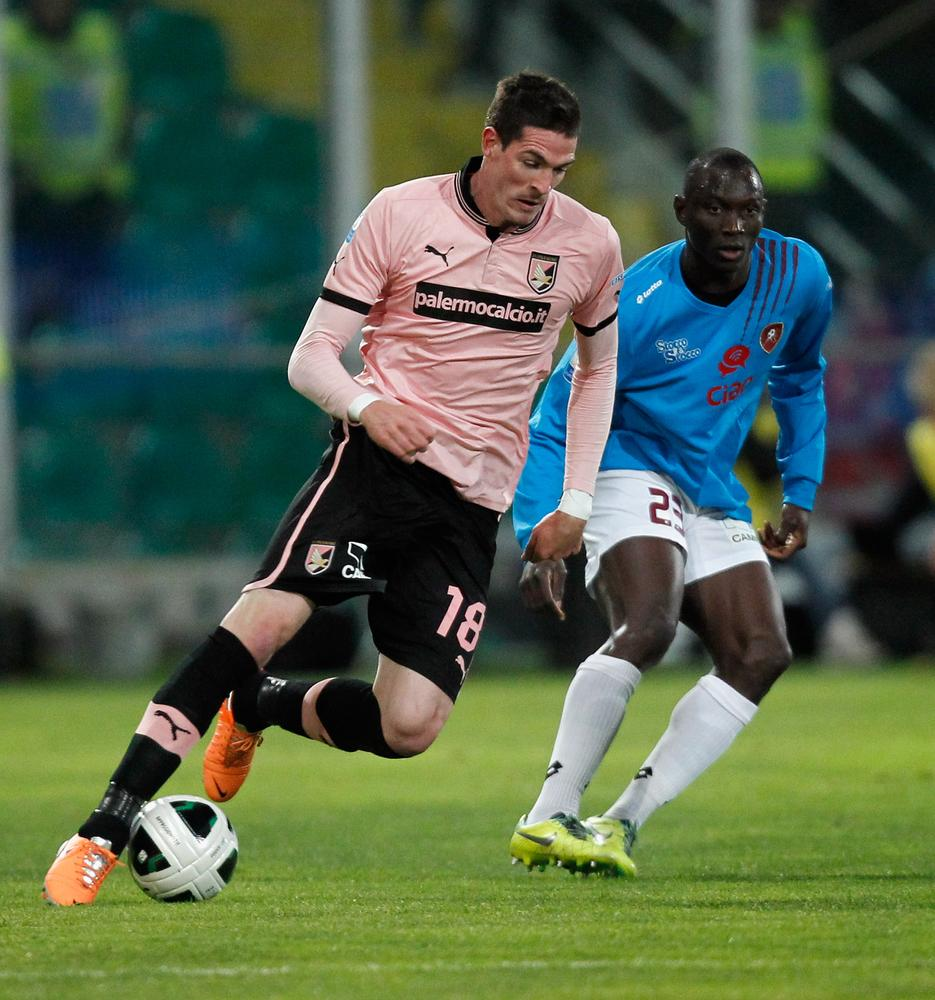 Norwich City close in on Palermo striker Kyle Lafferty