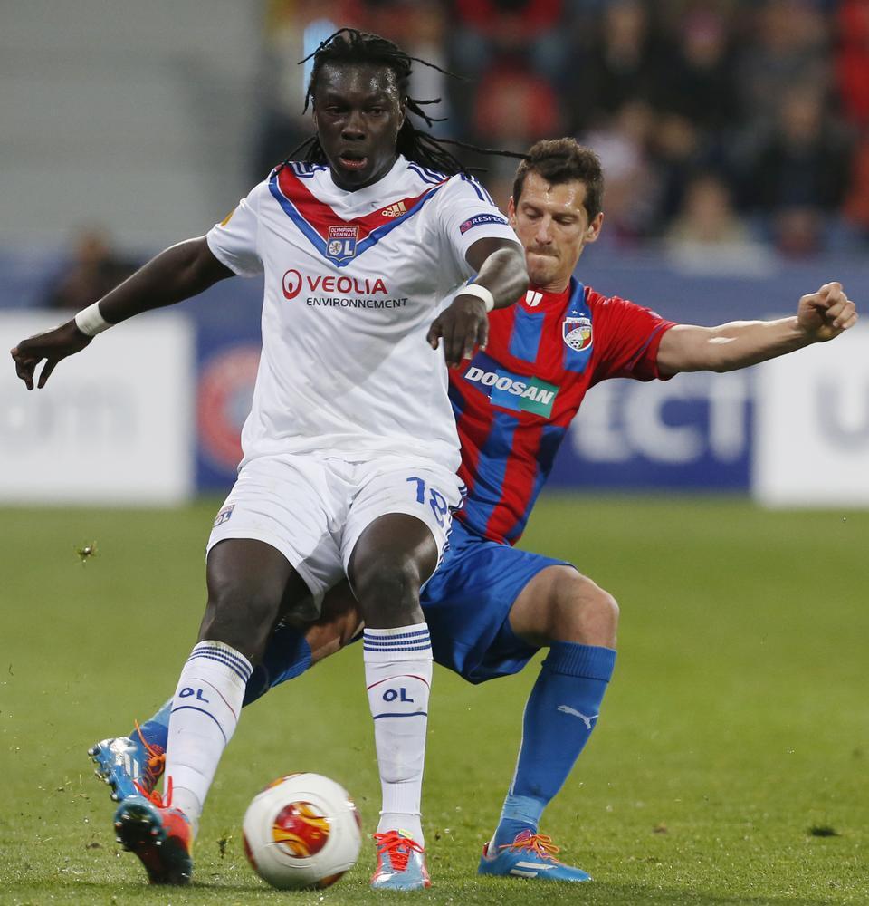 Will Bafetimbi Gomis get to wear Swansea City's new shirt?