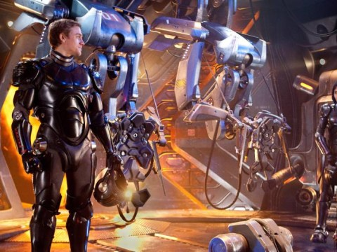 Guillermo del Toro confirms that Pacific Rim 2 is officially on the way for 2017
