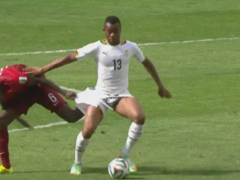 Awkward! William Carvalho shows fans a bit more of Ghana's Jordan Ayew than they bargained for