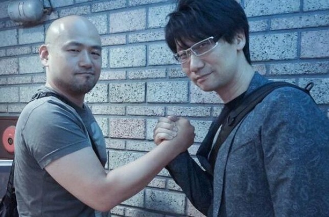 That's Platinum's Hideki Kamiya on the left and Kojima on the right