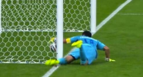 World Cup 2014: Goal-line technology 'controversy' baffles commentator Jonathan Pearce, Twitter is hilariously unforgiving