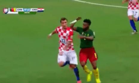 Alex Song's crazy elbow on Mario Mandzukic gets hilarious gif treatment