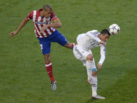 Manchester United alerted to availability of Atletico Madrid defender Miranda
