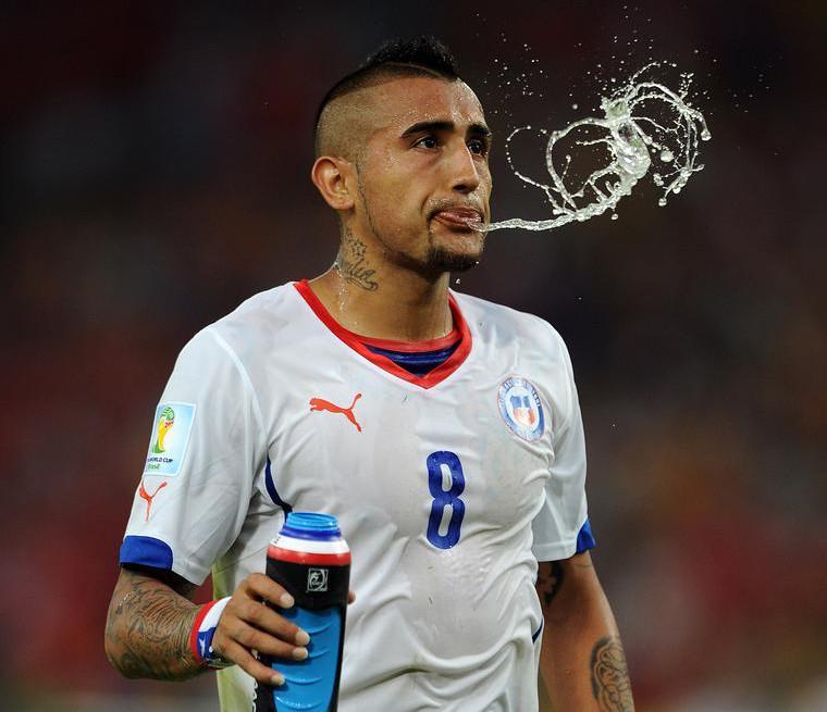 Manchester United 'close to signing Arturo Vidal with £32m plus Patrice Evra bid'