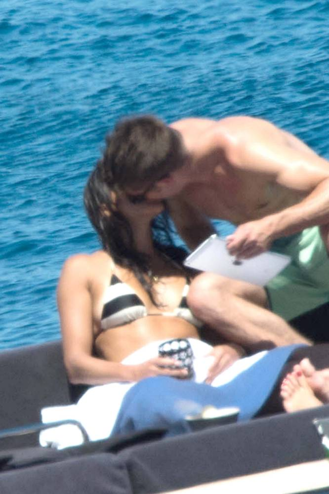 OIC - XCLUSIVEPIX.COM - EXCLUSIVE - MUST AGREE FEES BEFORE USAGE - POOLED WITH XPOSURE CALL 077688 36669 -  Zac Efron and Michelle Rodriguez seen enjoying a holiday together in Sardinia, Italy on the 5th july 2014. Photo Xclusive/Xposure 077688 36669/0203 174 1069