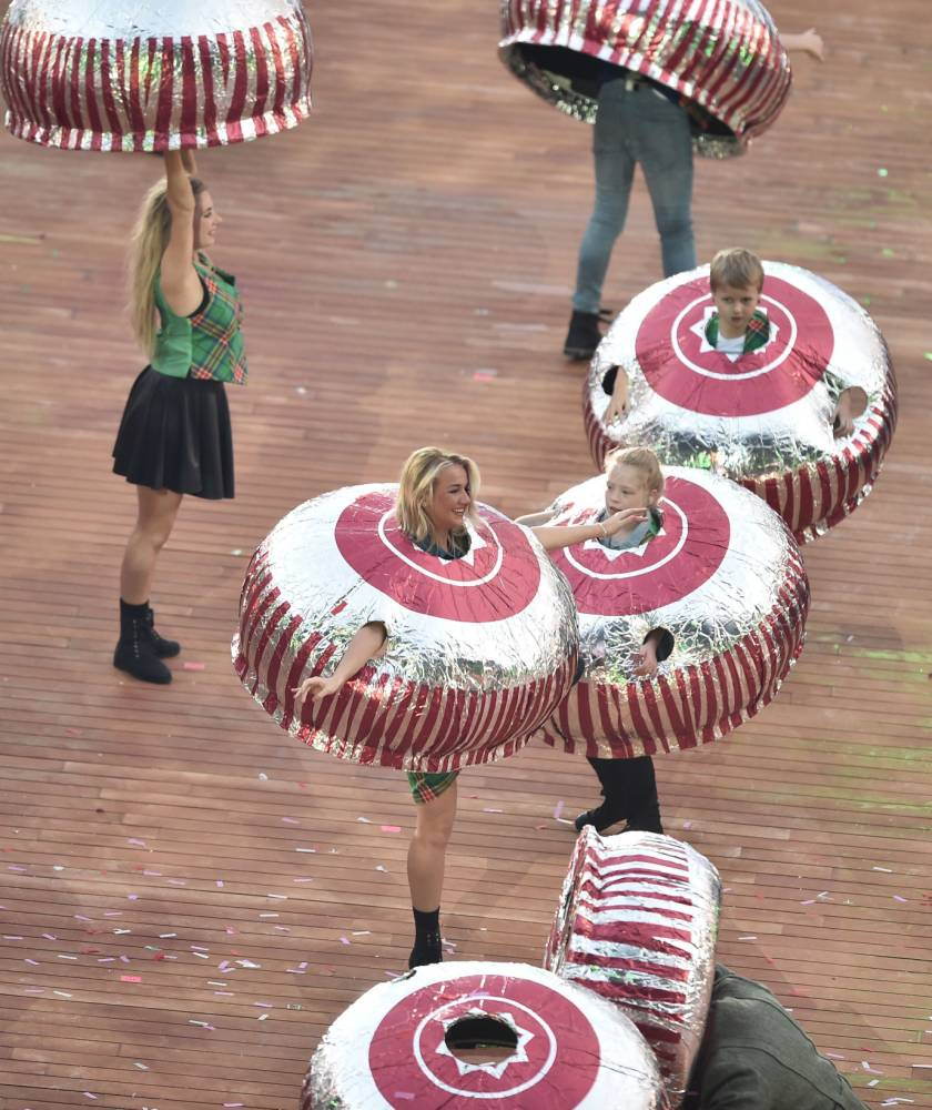 John Barrowman, Tunnock's teacakes and Nessie: The most Scottish WTF moments of the Commonwealth Games opening ceremony