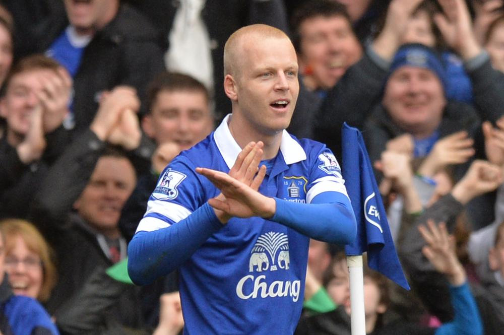 Everton forward Steven Naismith buys match tickets for unemployed fans across Liverpool