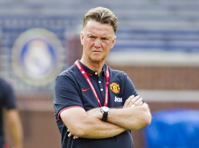 Manchester United line up swoop for Feyenoord's Dutch wonderkid Tahith Chong