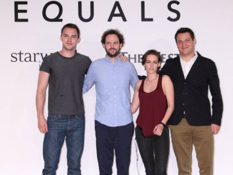 So, apparently Nicholas Hoult and Kristen Stewart ARE an item