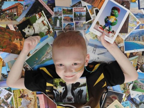Cancer-stricken boy receives hundreds of postcards from well-wishers