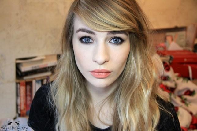 Katie Snooks beauty blogger