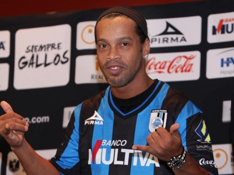Ronaldinho amazingly admits he signed for Queretaro to win titles… and girls