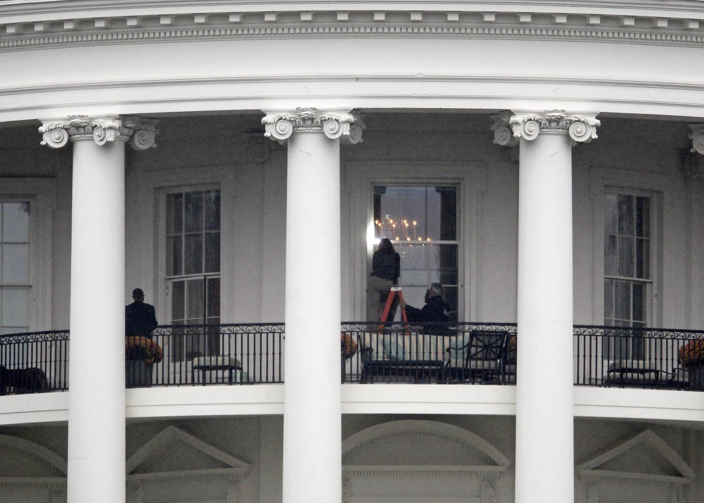 Secret Service took four days to discover gunman shot at White House living room