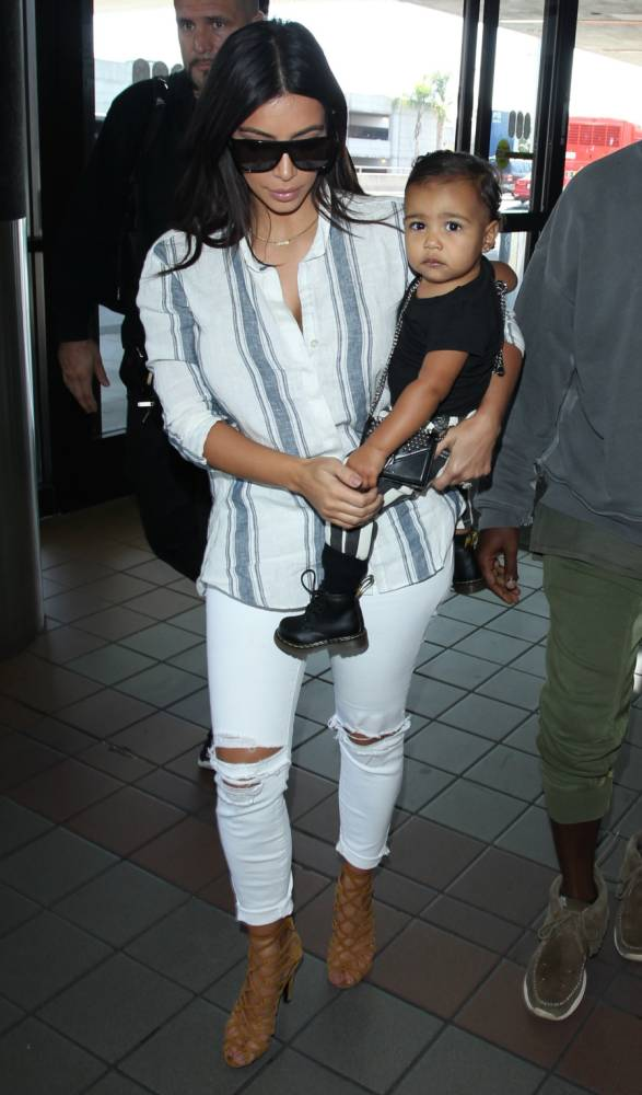 Kim Kardashian dispels North West diet rumours with hot chocolate pic