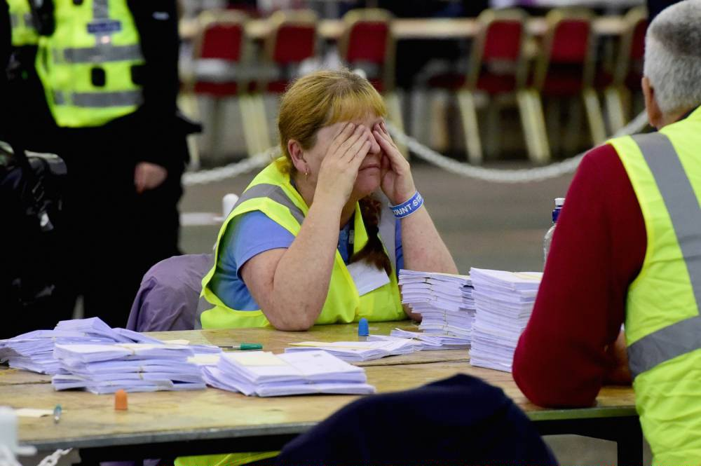 Record number of voters turn out to vote on Scottish referendum on independence