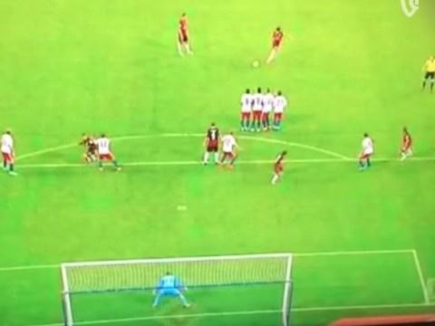 Chelsea loanee Lucas Piazon scores incredible stoppage time free-kick for Eintracht Frankfurt against Hamburg