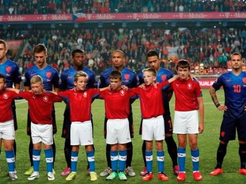 Wesley Sneijder stitched up by Holland with huge mascot, not having any of it